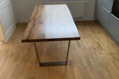 Küchenboden, Tisch